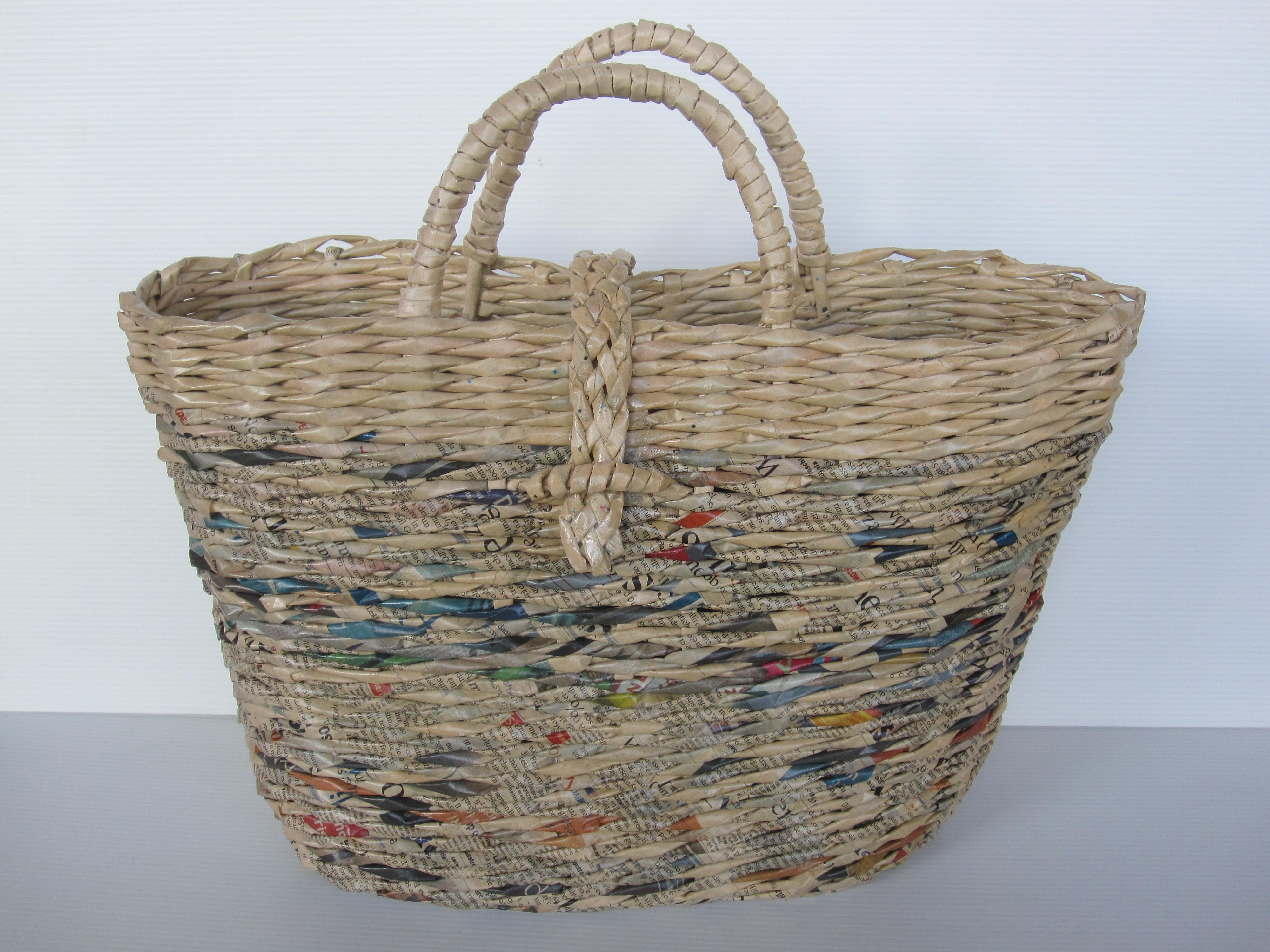 Borse Fatte A Mano Con Materiale Riciclato : Corso d intreccio base e avanzato con carta di riciclo